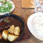 ジョジョズ カフェ&バー - ハンバーグステーキ1,550円