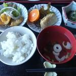 だんだん館 - 石垣定食 700円