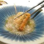 97439733 - ◎松茸スープに揚げたてぐじ 毛蟹が中に