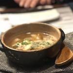 日本酒バル 蔵のや - エビとキノコのアヒージョ