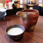 日本酒 やじろう - お通しは豆腐のすり流し