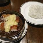 ジェンコバル - チキンチーズカレー980円