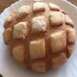 ヨコハマ メロンパン - 料理写真: