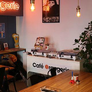 パリの路地裏カフェのような雰囲気。15名様~貸切OK