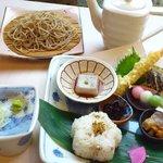 手打ち蕎麦 真心 - 料理写真:蕎麦づくしのランチせっと自家製蕎麦豆腐と揚げたての天ぷら付き
