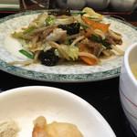 中国料理 福星楼 - ・日替わりランチ<牛バラ野菜炒め>