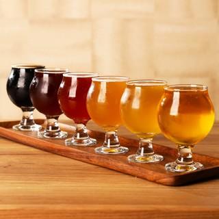 日本国内のブルワリーのビールが楽しめるビアバル