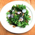 国産ケールと生若芽のグリーンサラダ
