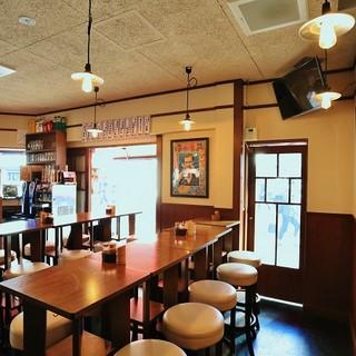 歌舞伎町一等地!賑やかな空間は<食>と<笑顔>が集まる場所!