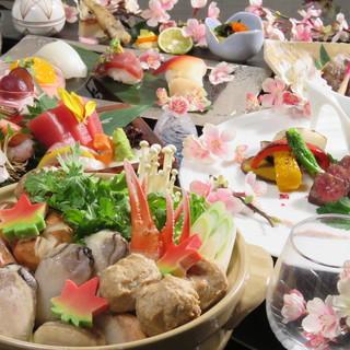 市場より厳選した魚を使ったお造りや握りが人気。旬の魚に舌鼓。