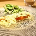 97483799 - 前菜:低温調理したノルウェーサーモンのマリネ ソース・グリビッシュ