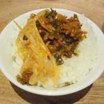 Hakataippuudou - 白ごはん ※辛子高菜、ピリ辛もやしをのせて