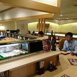 寿司 魚がし日本一 - 寿司 魚がし日本一 茅場町店 店内