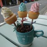 ON THE WAY, Cupcakes&Coffee Shop  - スティック ミニ カップケーキ(3P)①