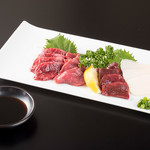 肉と韓国料理 たつりき - 熊本直送!新鮮な馬刺し