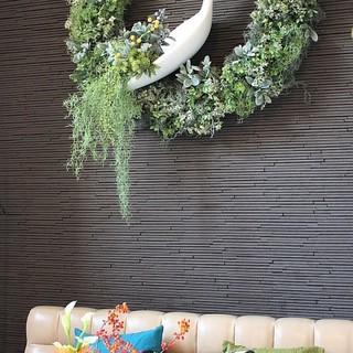 ゆったりくつろくごとのできるソファー席から広いテーブル席!