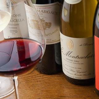 珍しい日本酒やワインなど多彩なお酒をご用意しております
