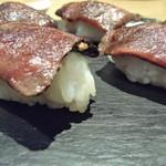 97496804 - 黒毛和牛の絶品!肉寿司