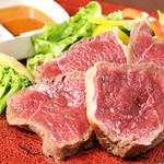肉酒場 閑太郎 - 塊赤身ゲンコツ焼き