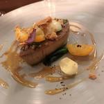 レストラン ラリューム - フォアグラのブランシャ焼きと金柑のコンポートとオレンジのエッセンス