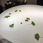 レストラン ラリューム - テーブルセッティング 素敵です