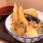 さん天 - 料理写真:海老と牡蠣の天丼 味噌汁付