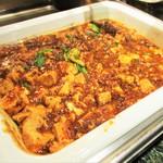 パルケ・ミエール - ランチビュッフェ:麻婆豆腐。     2018.11.19