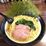 97512564 - ラーメン680円麺硬め。海苔増し50円。