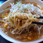 天心坊 - 味噌の太麺