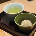 源氏総本店 - ほうじ茶アイス