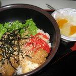 豆腐茶屋がんこ - 唐揚げ親子丼