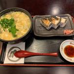 うどん本陣 山田家 - 卵とじうどん&焼鯖寿司