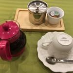 カフェ結 - 紅茶・・・【価格:ランチ時¥198~】〔税抜価格〕