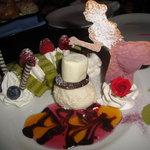 9753033 - いもむしおじさんのロールケーキと小さくなったアリスのお茶会セット(\900)