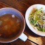 夢国籍料理 おちゃめなポテト - オムライスランチ 1
