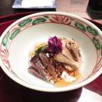 味吉兆 ぶんぶ庵 - 先付け 秋刀魚、舞茸、菊菜、榎茸の酢の物