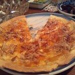 黒門酒処 - 必ず食べる、ねぎピザ。一度食べてほしい逸品