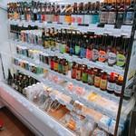 鈴木酒販小売部 - クラフトビールの品揃えも豊富