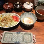 串の坊 - サラダと温泉卵