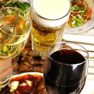 ウイグル料理と好相性◎日本だからビールも気軽に楽しめる!