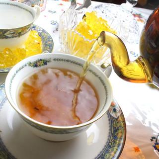 ウイグルの文化に身を任せて…*豊富で美しい、こだわりの紅茶◎