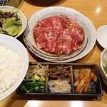 好味亭 - カルビランチ   トップアングル