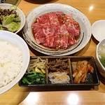 好味亭 - カルビランチ