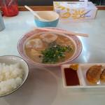 ドルフィン - ドルフィン定食・690円(税込) ラーメン屋さんのご飯にしては米が美味しかった!