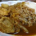 ラホール - インド風辛口チキンカレーご飯大盛。