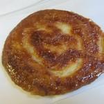 ほっぺ堂 - 料理写真:クイニーアマン120円。  フランスのブルターニュ地方の伝統的な洋菓子ですね。