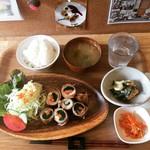 カフェ&バル 東寺家 - 野菜の肉巻き