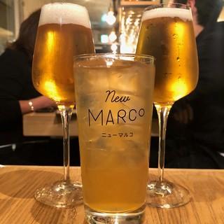 「3種類のクラフトビールタップ」と「ワイン」はどちらも人気!