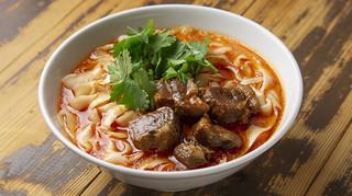 中華第一家 杜記 - 牛肉の刀削麺