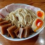 97575511 - 「つけ麺(大400g)」+「全部のせ(半熟玉子、メンマ、鶏チャーシュー)」